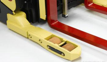Apilador Reach con pantógrafo para pasillo angosto Hyster N35-45ZR full